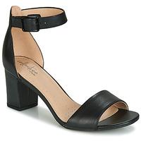 Topánky Ženy Sandále Clarks DEVA MAE Čierna