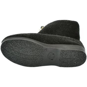 Topánky Muži Papuče Mjartan Pánske papuče  LEO čierna