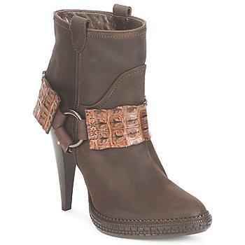 Topánky Ženy Čižmičky Roberto Cavalli QPS577-PK206 Hnedá