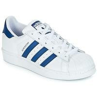 Topánky Deti Nízke tenisky adidas Originals SUPERSTAR J Biela / Modrá