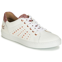 Topánky Dievčatá Nízke tenisky Bullboxer AGM008 Biela