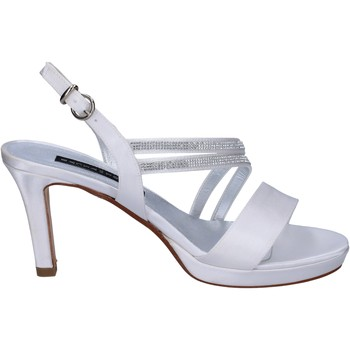 Topánky Ženy Sandále Bacta De Toi Sandále BT845 Biely