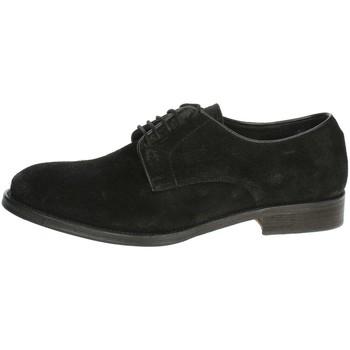 Topánky Muži Derbie Veni AT003 Black