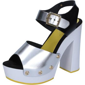 Topánky Ženy Lodičky Suky Brand sandali argento nero pelle BS16 Argento