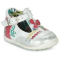Topánky Dievčatá Sandále Catimini PALOMINO Biela / Ružová