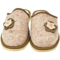 Topánky Ženy Papuče John-C Dámske hnedé papuče 2FLOWERS ťavia