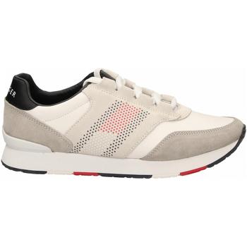 Topánky Muži Bežecká a trailová obuv Tommy Hilfiger CORPORATE MATERIAL MIX RUNNER 100-white-bianco
