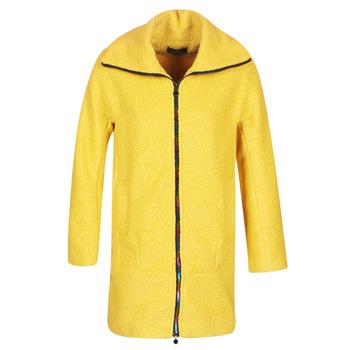Oblečenie Ženy Kabáty Desigual LAND Žltá
