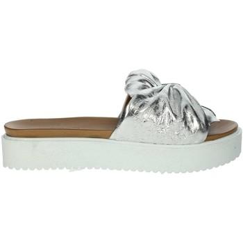 Topánky Ženy Šľapky Donna Style 19-281 Silver