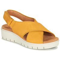 Topánky Ženy Sandále Clarks UN KARELY SUN Žltá horčicová