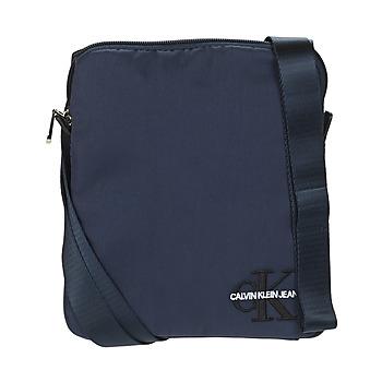 Tašky Muži Vrecúška a malé kabelky Calvin Klein Jeans CKJ MONOGRAM NYLON MICRO FP Námornícka modrá