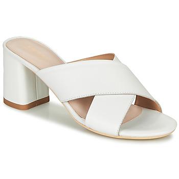 Topánky Ženy Sandále André JULITTA Biela