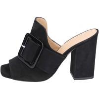 Topánky Ženy Šľapky Broccoli sandali camoscio Nero
