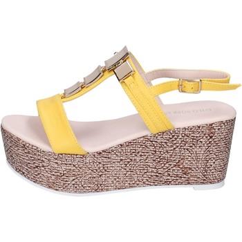 Topánky Ženy Sandále Solo Soprani Sandále BN647 Žltá