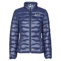 Oblečenie Ženy Vyteplené bundy Emporio Armani EA7 TRAIN CORE LADY W LT ECO DOWN JCKT Námornícka modrá