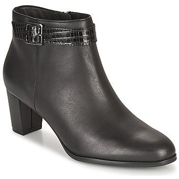 Topánky Ženy Čižmičky Clarks KAYLIN60 BOOT Čierna