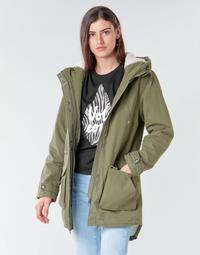 Oblečenie Ženy Parky Volcom WALK ON BY 5K PARKA Zelená