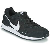 Topánky Muži Nízke tenisky Nike VENTURE RUNNER Čierna / Biela