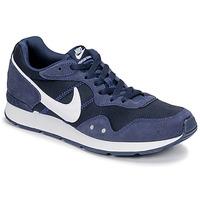 Topánky Muži Nízke tenisky Nike VENTURE RUNNER Modrá / Biela