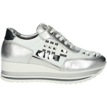 Topánky Ženy Nízke tenisky Comart 1A3385 White/Silver