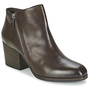 Topánky Ženy Nízke čižmy Vic ASSINOU Hnedá