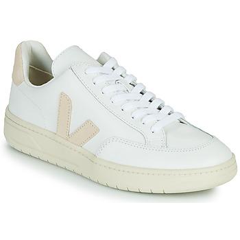 Topánky Nízke tenisky Veja V-12 Biela / Béžová