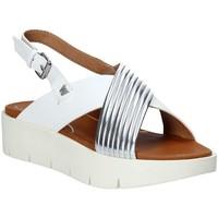 Topánky Ženy Sandále Wrangler WL91654A Biely