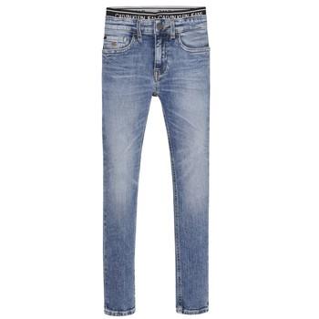 Oblečenie Chlapci Rifle Skinny  Calvin Klein Jeans SKINNY VINTAGE LIGHT BLUE Modrá