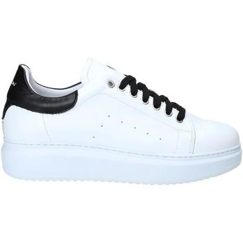 Topánky Muži Nízke tenisky Exton 955 čierna