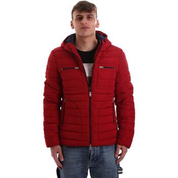 Oblečenie Muži Vyteplené bundy Gaudi 921BU35019 Červená
