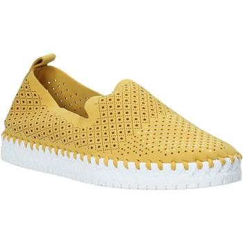 Topánky Ženy Slip-on Grunland SC4916 žltá