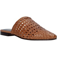 Topánky Ženy Nazuvky Marco Ferretti 161357MF Hnedá