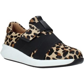 Topánky Ženy Slip-on Clarks 26146147 čierna