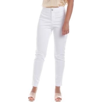 Oblečenie Ženy Nohavice Chinos a Carrot NeroGiardini E060100D Biely