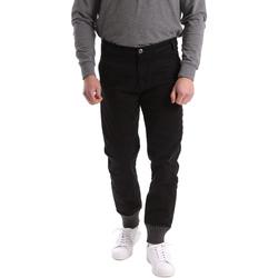 Oblečenie Muži Nohavice Chinos a Carrot Gaudi 62BU20001 čierna