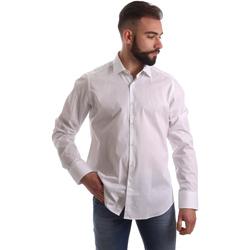 Oblečenie Muži Košele s dlhým rukávom Gmf 962250/03 Biely