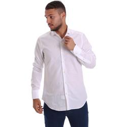 Oblečenie Muži Košele s dlhým rukávom Gmf 971111/11 Biely