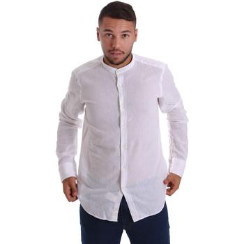 Oblečenie Muži Košele s dlhým rukávom Gmf 971306/01 Biely