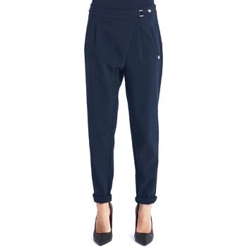 Oblečenie Ženy Nohavice Chinos a Carrot Gaudi 821BD25031 Modrá