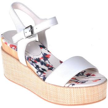 Topánky Ženy Sandále Lumberjack SW40006 001 B01 Biely