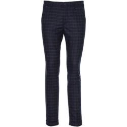 Oblečenie Muži Oblekové nohavice NeroGiardini A970573U Modrá