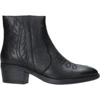 Topánky Ženy Čižmičky Pregunta PF5794T čierna