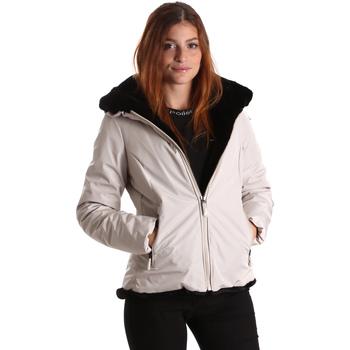 Oblečenie Ženy Saká a blejzre Invicta 4431581/D Biely