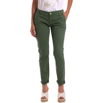 Oblečenie Ženy Nohavice Chinos a Carrot Gaudi 811BD25009 Zelená