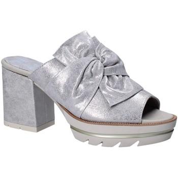 Topánky Ženy Šľapky CallagHan 22601 Šedá