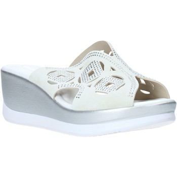 Topánky Ženy Šľapky Valleverde 32150 Biely