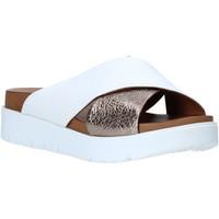 Topánky Ženy Šľapky Bueno Shoes N3408 Biely