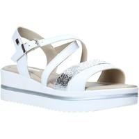 Topánky Ženy Sandále Valleverde 32320 Biely