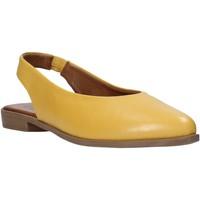 Topánky Ženy Sandále Bueno Shoes 9N0102 žltá