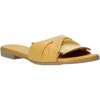 Topánky Ženy Šľapky Bueno Shoes 9L2735 žltá